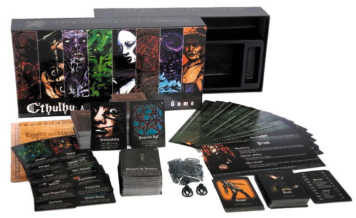 Cthulhu: A Deck Building Game Box Front