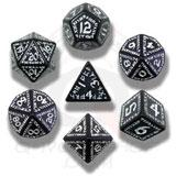 Runic Dice Set Black/white (7) Box Front