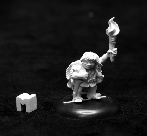 Dungeon Dwellers: Gus Geenwevil, Halfling Henchman Game Box